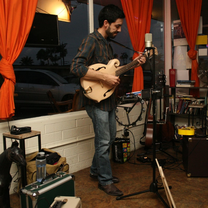 Playing the octave mandolin